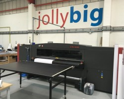 The VUTEk QS2000 was installed at JollyBig's Milton Keynes site in early December 2015