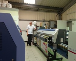 Harberson's Print Manager, Karl Richardson with the Mimaki TS34
