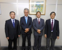 From left to right : Mr. N. Hayakawa – President & representative Director Mutoh Holdings Co. Ltd., Japan, Mr. Arthur Vanhoutte, Consultant Mutoh Group, Mr. A. Kotake – Managing Director Mutoh Belgium nv, Mr. H. Aoki – Managing Director Mutoh Holdings Co. Ltd., Japan